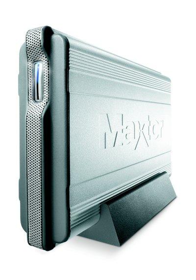 Die Maxtor One Touch II ist eine sehr elegante Erscheinung. Das metallene Gehäuse macht sie robust, aber auch sehr schwer.