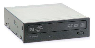 Die schwarze Blende des HP dvd640i wirkt nur in einem traditionell beigen PC-Gehäuse deplatziert.