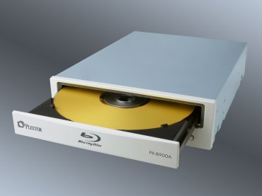 Mit dem PX-B900A legt Plextor ein gelungenes, wenn auch nicht berauschendes Blu-ray-Debüt hin.