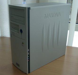 Der Favorit 2000 besitzt ein solides Midi-Tower-Metallgehäuse mit Platzreserven.