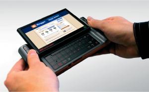 Ein Mobile Internet Device rangiert größenmäßig irgendwo zwischen PDA und Mini-Notebook (Bild: Intel).