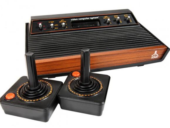 Mit Spielkonsolen wie dem VCS 2600 wurde Atari weltberühmt (Bild: Wikimedia Commons).