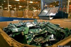 Recycling - wie hier in einer Anlage von HP im kalifornischen Roseville ist gut - länger haltbare Produkte wären aber laut Schridde und seiner Initiative besser (Bild: CBS Interactive).