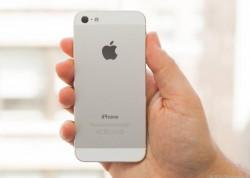 Rückseite des iPhone 5 - und möglicherweise des iPhone 5S (Bild: CNET)
