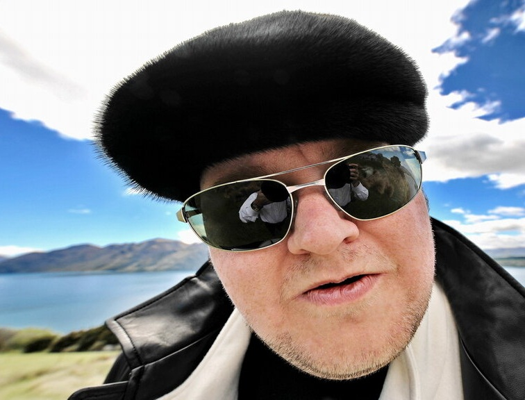 """Kim """"Dotcom"""" Schmitz verklagt neuseeländische Polizei wegen Megaupload-Razzia"""