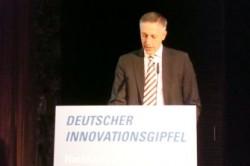 """""""Wir müssen das Innovationstempo beschleunigen und standardisieren, um auf den Weltmärkten Erfolg zu haben"""", sagte Volker Smid, Vorsitzender der Geschäftsführung bei HP Deutschland anlässlich des Innovationsgipfel 2013 in München (Bild: Ariane Rüdiger)."""