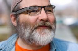 Google Glass - Protoyp mit echtem Brillenrahmen (Bild: Google)