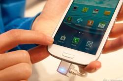 Test der Haptik des Samsung Galaxy S3 (Bild: News.com)