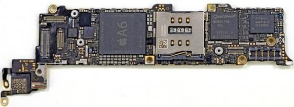 Hauptplatine von Apples iPhone 5 mit Prozessor A6 (Bild: iFixit)
