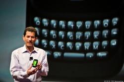 Jonathan Rubinstein zu HP-Zeiten mit Palm Pre 3 (Bild: News.com)