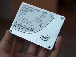 Die SSD DC S3500 gibt es in Kapazitäten von 80 bis 800 GByte (Bild: Dong Ngo/CNET).