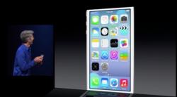 Die umgestaltete Oberfläche von iOS 7 liefert unter anderem neue Homescreen-Icons (Screenshot: Gizmodo.de).