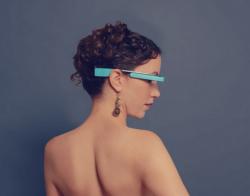 Werbefoto: MiKandi-App für Google Glass