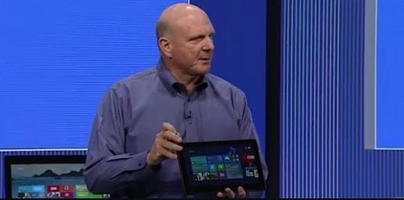 Steve Ballmer auf der Build 2013 mit Lenovo ThinkPad Helix (Bild: News.com)