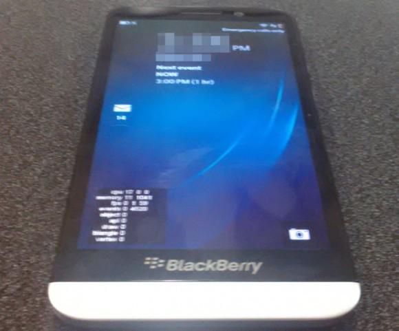 """Das Blackberry A10 besitzt angeblich ein 5-Zoll-AMOLED-Display mit 1280 mal 720 Pixeln Auflösung (Bild via <a href=""""http://bgr.com/2013/07/11/blackberry-a10-aristo-photo-launch-release/"""" target=""""_blank"""">Boy Genius Report</a>)."""