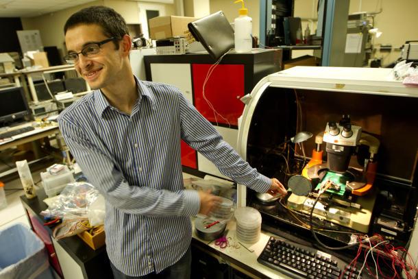 Stanford-Forscher bauen ersten Computer mit Kohlenstoff-Nanoröhren