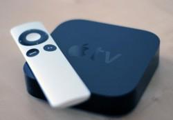 Apple TV mit Fernbedienung (Bild: Jason Cipriani/CNET)