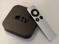 Apple TV mit Fernbedienung (Bild: News.com)