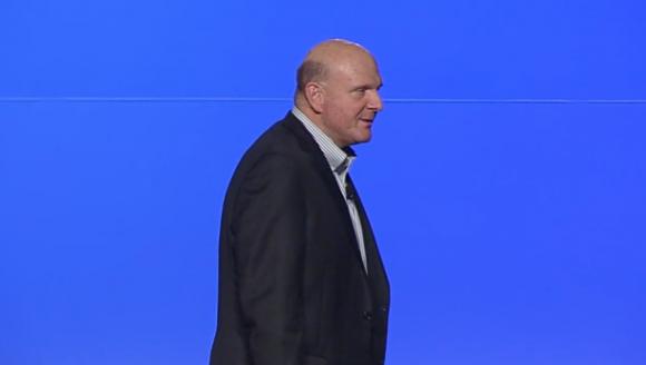 Steve Ballmer wendet sich noch einmal an die Finanzanalysten (Bild: Microsoft).