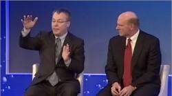 Stephen Elop und Steve Ballmer kündigen 2011 die Partnerschaft von Nokia und Microsoft an (Screenshot: News.com)