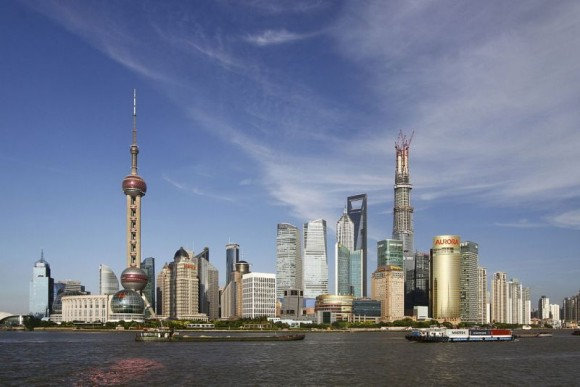 Skyline von Pudong in Shanghai (Bild: Pierre Selim/ Creative Commons)