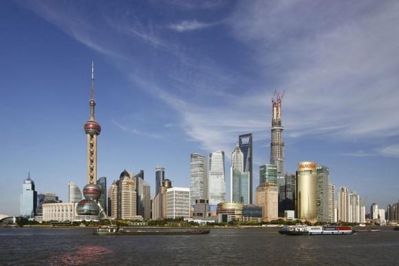 Skyline von Pudong in Shanghai (Bild: Pierre Selim/ Creative Commons)