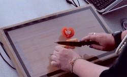 Sharp-Küchentablet Chop-syc im Einsatz (Bild: via Vimeo)