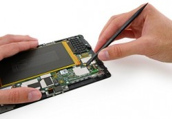 Amazon Kindle Fire HDX zerlegt (Bild: iFixit)