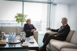 Clinton mit Merkel