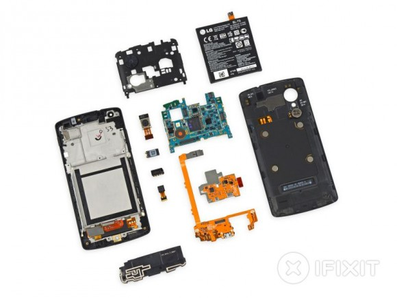 iFixit hat das neue Google-Smartphone Nexus 5 zerlegt (Bild: iFixit).