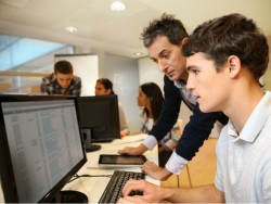 Informatikstudenten (Bild: Shutterstock)