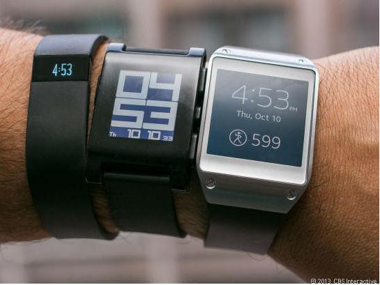 Smartwatches (Bild: Sarah Tew/CNET).