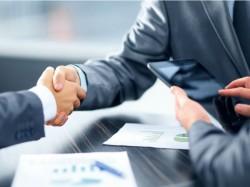 Vertragsabschluss (Bild: Shutterstock)