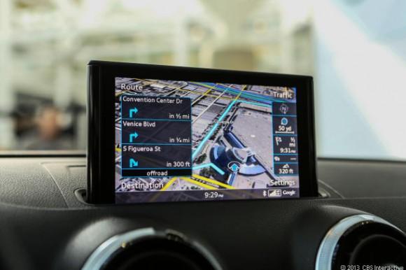 Google hat die Gründung der Open Automotive Alliance angekündigt, der unter anderem Audi und General Motors angehören. Das Ingolstädter Unternehmen nutzt bereits Google Maps in seinen Fahrzeugsystemen (Bild: Josh Miller / News.com).