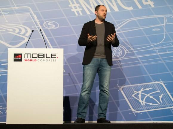 WhatsApp-CEO Jan Koum kündigte die Sprachunterstützung auf dem MWC in Barcelona an (Bild: Stephen Shankland/CNET).