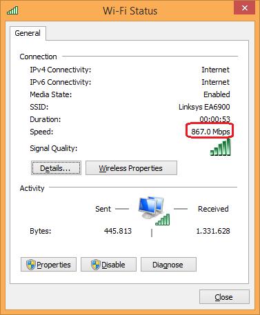 Mit einem AC1200-WLAN-Stick sieht die Verbindung auf den ersten Blick perfekt aus. Die 867 MBit/s sind aber das theoretische Maximum. Mit einigem Aufwand lassen sich bis zu 400 MBit/s erzielen. Stellt man Router und Endgerät an den Orten auf, wie sie ins Zimmer passen und nicht mitten im Raum, kann man mit immerhin noch etwa 200 MBit/s rechnen. (Bild: ZDNet.de)