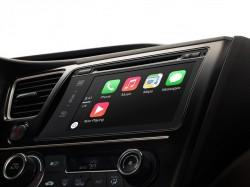 Apples Auto-Schnittstelle CarPlay basiert auf Blackberrys QNX-Plattform zusammen (Bild: Apple)