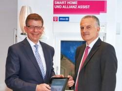 Telekom-Vorstand Reinhard Clemens (links) und Christof Mascher, Vorstandsmitglied der Allianz, bei der Vorstellung der gemeinsamen Angebote (Bild: Deutsche Telekom).
