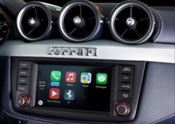 Apple CarPlay im Ferrari FF (Bild: Ferrari)