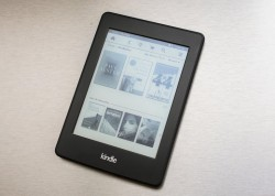 E-Book-Reader Kindle Paperwhite (Bild: Sarah Tew / CNET.com)