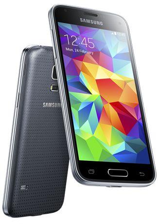 Das Galaxy S5 Mini gleicht optisch dem großen Bruder Galaxy S5 (Bild: Samsung).