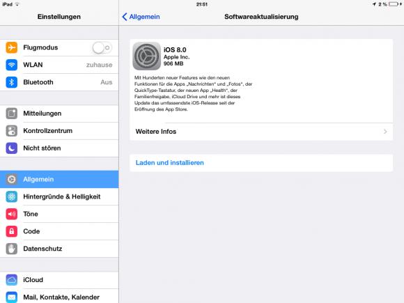 Apple hat mit der Verteilung von iOS 8 begonnen. Als OTA-Update für das iPad Mini ist es 906 MByte groß (Screenshot: ZDNet).
