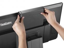 Die Thin Clients werden einfach in das Tiny-in-One eingeschoben (Bild: Lenovo).