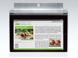 Dank einer Öffnung im Standfuß lassen sich die neuen Yoga-Tablets aufhängen (Bild: Lenovo).
