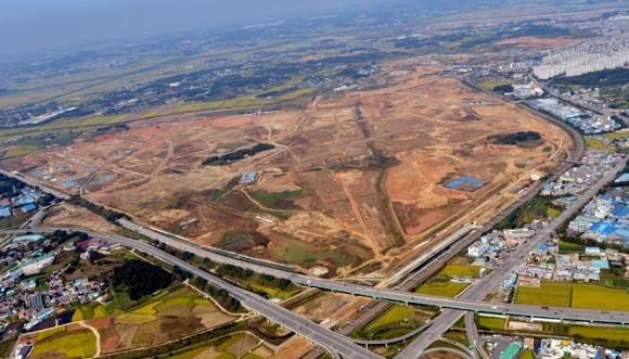 Auf diesem 790.000 Quadratmeter großen Areal am Rand von Pyeongtaek soll die neue Samsung-Chipfabrik entstehen (Bild: Samsung).