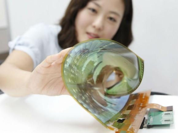 Der neue Fertigungsprozess erlaubt eine günstigere Produktion biegsamer Displays (Bild: LG).