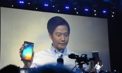 Xiaomi-CEO Lei Jun mit Mi Note (Bild: Xiaomi)