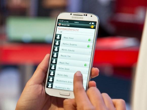 Die App Secure Call liegt ab sofort für Android und iOS vor (Bild: Vodafone).