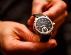 Alpina-Uhr mit analogem Ziffernblatt und Senortechnik (Bild: News.com)