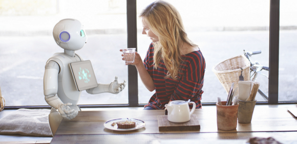 Der Roboter Pepper könnte Watson als Gehirn nutzen (Bild: Softbank).